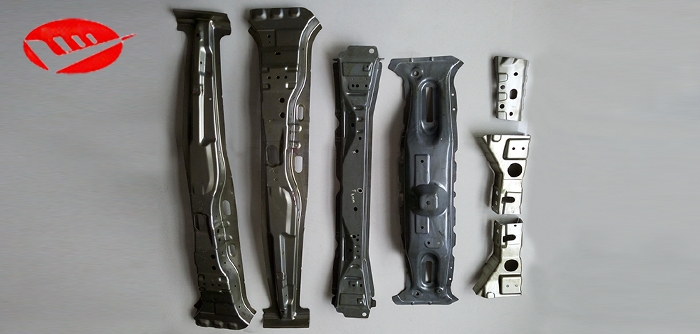 汽车中立柱(C柱)零件